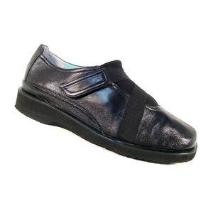 THIERRY RABOTIN Lena $495 Cross Strap Walking Shoe